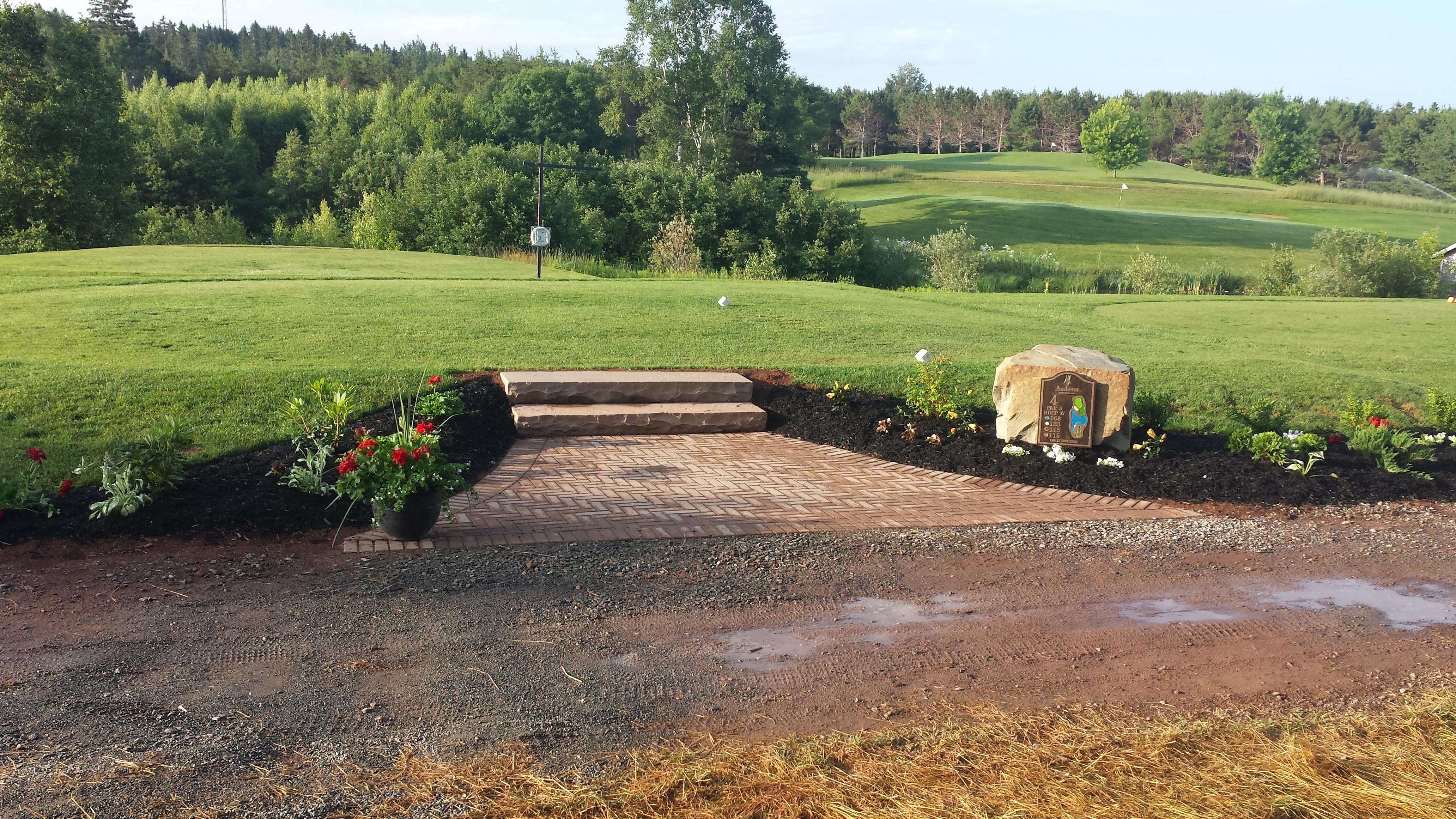 Gulf course memorial